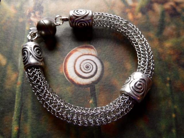 Armband aus Edelstahldraht
